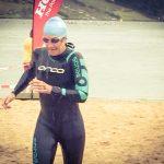 Schneller Schwimmen mit dem Neoprenanzug
