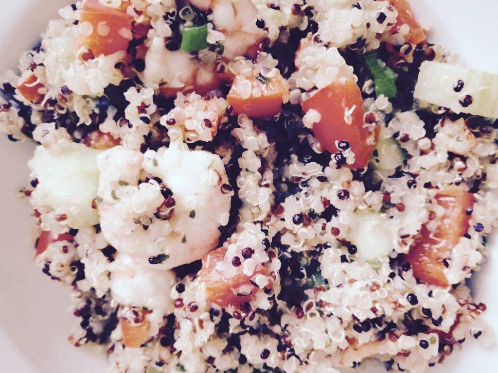 Quinoa Gemüsepfanne mit Garnelen